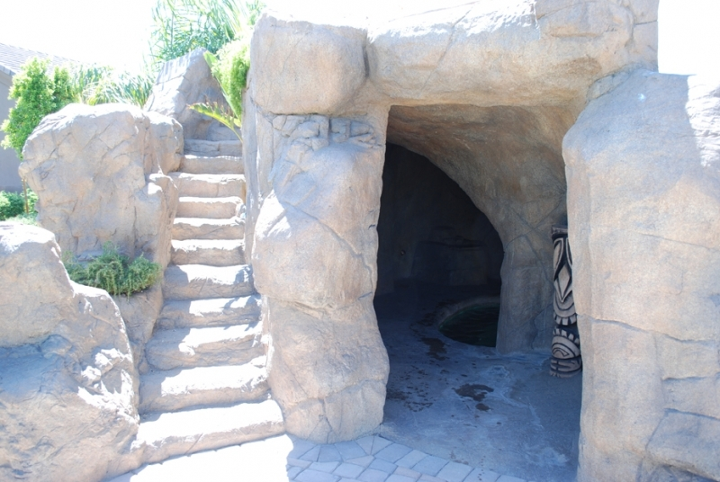 mg-cave-and-steps-for-slide